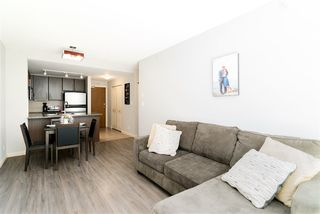 """Photo 2: 1510 892 CARNARVON Street in New Westminster: Downtown NW Condo for sale in """"Azurell"""" : MLS®# R2446533"""