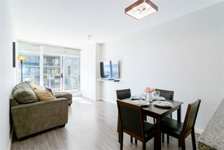 """Photo 3: 1510 892 CARNARVON Street in New Westminster: Downtown NW Condo for sale in """"Azurell"""" : MLS®# R2446533"""