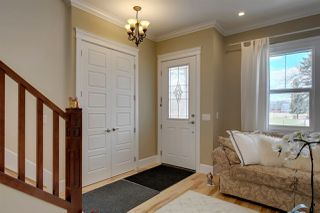 Photo 3: 10915 127 Street in Edmonton: Zone 07 House for sale : MLS®# E4196350