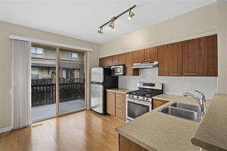 """Photo 4: 113 100 KLAHANIE Drive in Port Moody: Port Moody Centre Townhouse for sale in """"Indigo"""" : MLS®# R2459729"""