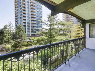 """Photo 1: 302 625 HAMILTON Street in New Westminster: Uptown NW Condo for sale in """"CASA DEL SOL"""" : MLS®# R2478937"""