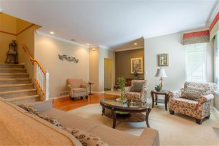 "Photo 6: 28 5811 122 Street in Surrey: Panorama Ridge Townhouse for sale in ""Lakebridge/Boundary Park"" : MLS®# R2480755"