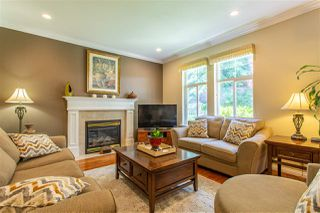 "Photo 11: 28 5811 122 Street in Surrey: Panorama Ridge Townhouse for sale in ""Lakebridge/Boundary Park"" : MLS®# R2480755"