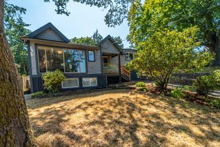 Photo 2: 613 Kent Rd in : SW Tillicum Single Family Detached for sale (Saanich West)  : MLS®# 850615