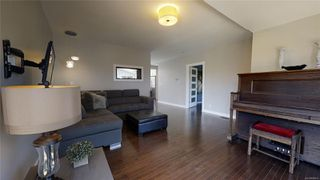Photo 5: 613 Kent Rd in : SW Tillicum Single Family Detached for sale (Saanich West)  : MLS®# 850615