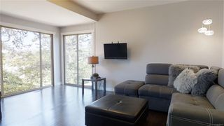 Photo 3: 613 Kent Rd in : SW Tillicum Single Family Detached for sale (Saanich West)  : MLS®# 850615