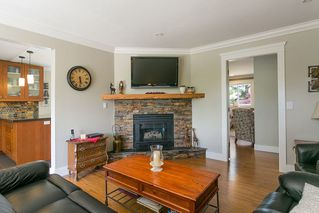 Photo 6: 13050 20 AVENUE in South Surrey White Rock: Crescent Bch Ocean Pk. Home for sale ()  : MLS®# R2382362