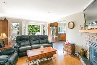 Photo 5: 13050 20 AVENUE in South Surrey White Rock: Crescent Bch Ocean Pk. Home for sale ()  : MLS®# R2382362