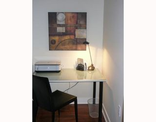 """Photo 4: 703 160 W 3RD Street in North_Vancouver: Lower Lonsdale Condo for sale in """"""""ENVY"""""""" (North Vancouver)  : MLS®# V787019"""