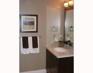 """Photo 5: 703 160 W 3RD Street in North_Vancouver: Lower Lonsdale Condo for sale in """"""""ENVY"""""""" (North Vancouver)  : MLS®# V787019"""