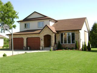 Photo 2: 10 CLAYMORE Place in WINNIPEG: Birdshill Area Residential for sale (North East Winnipeg)  : MLS®# 1011927