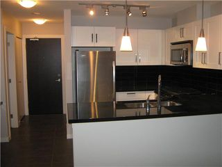 """Photo 3: 2302 2133 DOUGLAS Road in Burnaby: Brentwood Park Condo for sale in """"PERSPECTIVES"""" (Burnaby North)  : MLS®# V864191"""