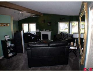 Photo 5: # 27A 24330 FRASER HY in Langley: House for sale (Canada)  : MLS®# F2825559