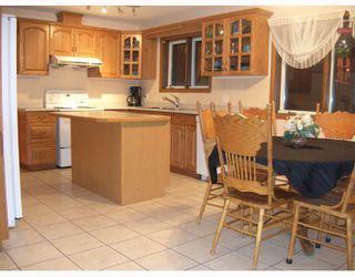 Photo 2: 15 ENVOY Crescent in WINNIPEG: West Kildonan / Garden City Single Family Detached for sale (North West Winnipeg)  : MLS®# 2902158