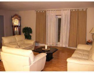 Photo 4: 15 ENVOY Crescent in WINNIPEG: West Kildonan / Garden City Single Family Detached for sale (North West Winnipeg)  : MLS®# 2902158