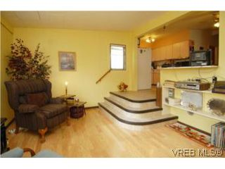 Photo 13: 4320 Savoy Pl in : SW Royal Oak House for sale (Saanich West)  : MLS®# 495355