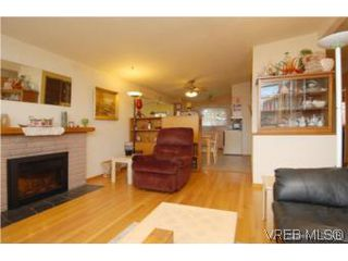 Photo 4: 4320 Savoy Pl in : SW Royal Oak House for sale (Saanich West)  : MLS®# 495355