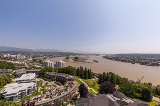 "Photo 2: 2003 11 E ROYAL Avenue in New Westminster: Fraserview NW Condo for sale in ""Victoria Hill"" : MLS®# R2406814"
