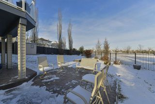 Photo 2: 2643 TAYLOR Green in Edmonton: Zone 14 House for sale : MLS®# E4179359