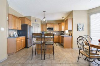 Photo 10: 2643 TAYLOR Green in Edmonton: Zone 14 House for sale : MLS®# E4179359