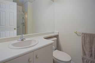 "Photo 10: 905 5885 OLIVE Avenue in Burnaby: Metrotown Condo for sale in ""METROPOLITAN"" (Burnaby South)  : MLS®# R2428236"