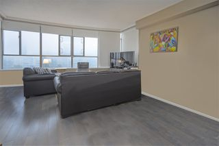 "Photo 5: 905 5885 OLIVE Avenue in Burnaby: Metrotown Condo for sale in ""METROPOLITAN"" (Burnaby South)  : MLS®# R2428236"