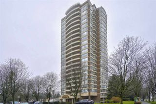 "Photo 1: 905 5885 OLIVE Avenue in Burnaby: Metrotown Condo for sale in ""METROPOLITAN"" (Burnaby South)  : MLS®# R2428236"