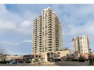"Main Photo: 804 1 RENAISSANCE Square in New Westminster: Quay Condo for sale in ""Q"" : MLS®# R2439018"
