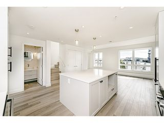 Photo 8: 421 525 E 2ND STREET in North Vancouver: Lower Lonsdale Townhouse for sale : MLS®# R2461578