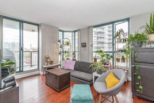 """Photo 1: 801 828 AGNES Street in New Westminster: Downtown NW Condo for sale in """"Westminster Towers"""" : MLS®# R2470538"""