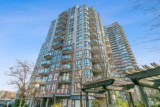 """Photo 2: 801 828 AGNES Street in New Westminster: Downtown NW Condo for sale in """"Westminster Towers"""" : MLS®# R2470538"""
