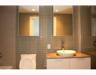 """Photo 6: 2902 128 W CORDOVA Street in Vancouver: Downtown VW Condo for sale in """"WOODWARDS W 43"""" (Vancouver West)  : MLS®# V784693"""