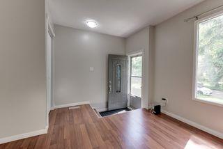 Photo 3: 8918 83 Avenue in Edmonton: Zone 18 House Half Duplex for sale : MLS®# E4213413