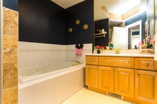 """Photo 9: 14 31450 SPUR Avenue in Abbotsford: Abbotsford West Townhouse for sale in """"LakePointe Villas"""" : MLS®# R2502177"""