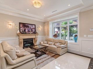 Photo 2: 112 E 62ND Avenue in Vancouver: South Vancouver House for sale (Vancouver East)  : MLS®# R2515622