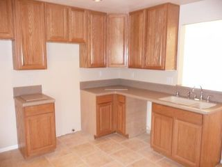 Photo 4: LEMON GROVE House for sale : 2 bedrooms : 7510 Zemco