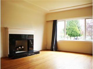 Photo 2: 1249 E 29TH Avenue in Vancouver: Knight House for sale (Vancouver East)  : MLS®# V828739