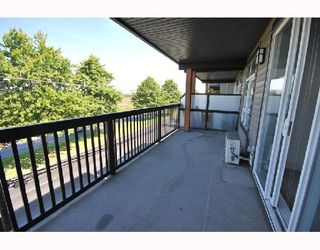 Photo 6: 309 6033 KATSURA Street in Richmond: McLennan North Condo for sale : MLS®# V746626