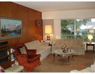 "Photo 2: 615 EVERGREEN Place in North_Vancouver: Delbrook House for sale in ""Delbrook"" (North Vancouver)  : MLS®# V747250"