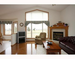 Photo 8: 216 WOODSIDE Crescent NW: Airdrie Residential Detached Single Family for sale : MLS®# C3375546