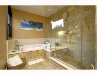 "Photo 9: 40196 KINTYRE Drive in Squamish: Garibaldi Highlands House for sale in ""GARIBALDI HIGHLANDS"" : MLS®# V767811"
