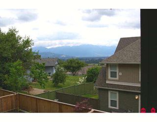 """Photo 3: 14 5623 TESKEY Way in Sardis: Promontory Townhouse for sale in """"WISTERIA HEIGHTS"""" : MLS®# H2902505"""
