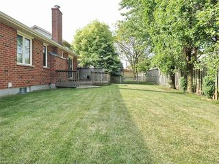 Photo 24: 9 MOCKINGBIRD Crescent in London: South N Residential for sale (South)  : MLS®# 210000