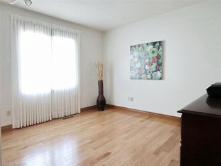 Photo 21: 9 MOCKINGBIRD Crescent in London: South N Residential for sale (South)  : MLS®# 210000