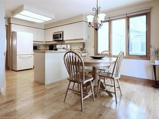 Photo 14: 9 MOCKINGBIRD Crescent in London: South N Residential for sale (South)  : MLS®# 210000
