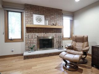 Photo 11: 9 MOCKINGBIRD Crescent in London: South N Residential for sale (South)  : MLS®# 210000
