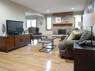 Photo 9: 9 MOCKINGBIRD Crescent in London: South N Residential for sale (South)  : MLS®# 210000