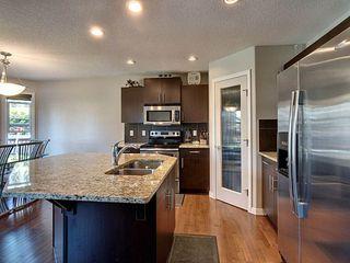 Photo 4: 1446 37A Avenue in Edmonton: Zone 30 House for sale : MLS®# E4169882
