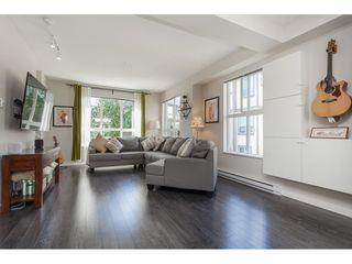 """Photo 4: 60 7848 209 Street in Langley: Willoughby Heights Townhouse for sale in """"Mason & Green"""" : MLS®# R2478136"""