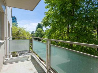 "Photo 13: 303 2409 W 43RD Avenue in Vancouver: Kerrisdale Condo for sale in ""Balsam Court"" (Vancouver West)  : MLS®# R2480471"